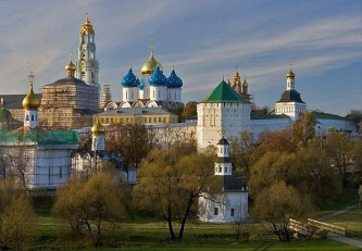 Работодателям предлагается поощрять работников туристическими путевками по российским достопримечательностям