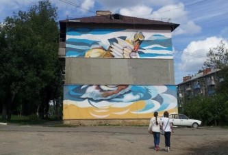 Жильцам многоквартирных домов предлагается убирать со стен домов граффити самостоятельно
